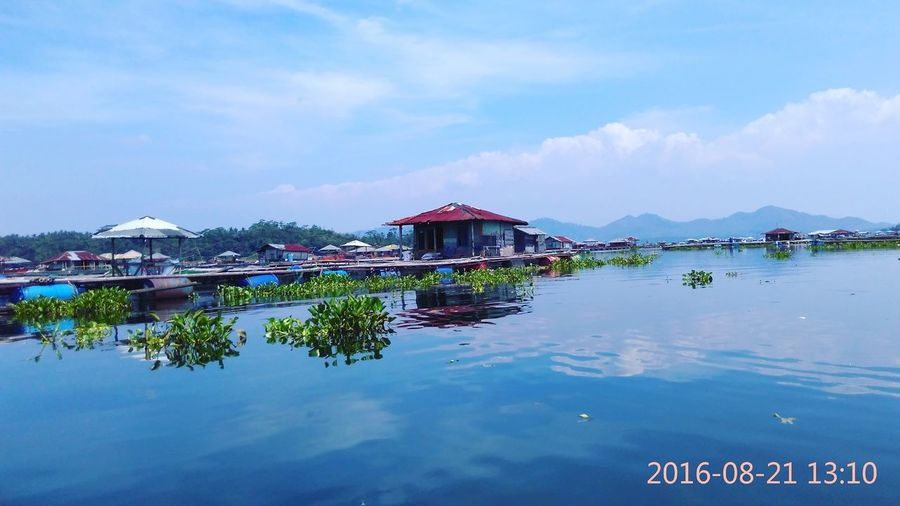 Floating home Relaxing Check This Out Enjoying Life Hanging Out Photography Water
