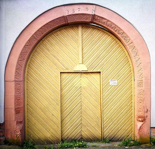 Alte Tür - Old door Wall Mauer Naturstein Tür Alt Old Ausgang Eingang Verschlossen Geschlossen Exit Architecture Built Structure Closed Door Closed Front Door Locked Entry Door