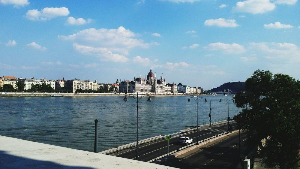 Love this city Budapest Parlamento Húngaro