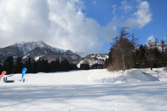 Winter_collection White Snow Hill Skiing ❄ Tourist Attraction  Having Fun :) Outdoor Photography Travel Photography Wintertime Snow ❄ Playing With Snow Snowcapped Mountain Niigata-shi Japan