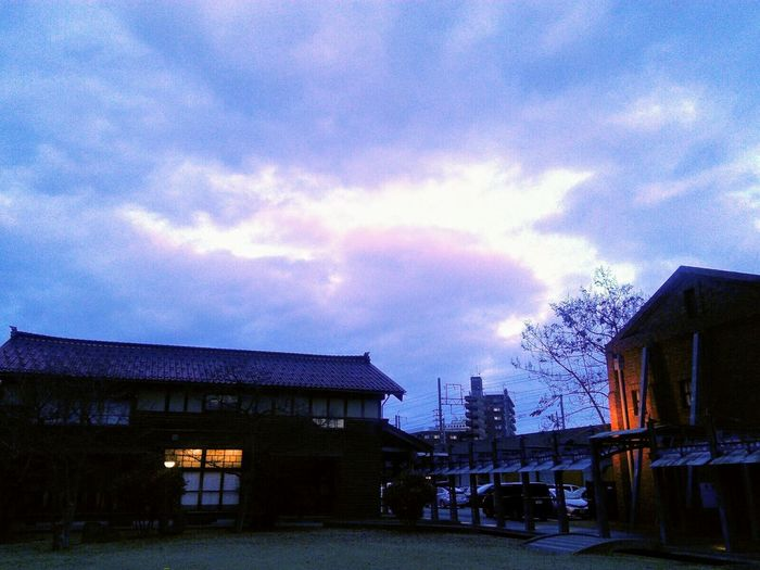 Kanazawa,japan Winterscenery Eveningscenery Winterscapes Eveningsky 夕空 Beauty In Nature Nature Photography Landscape_Collection Cloud - Sky Tranquility Around The City  Walking Around The City  Viewpoint 散歩