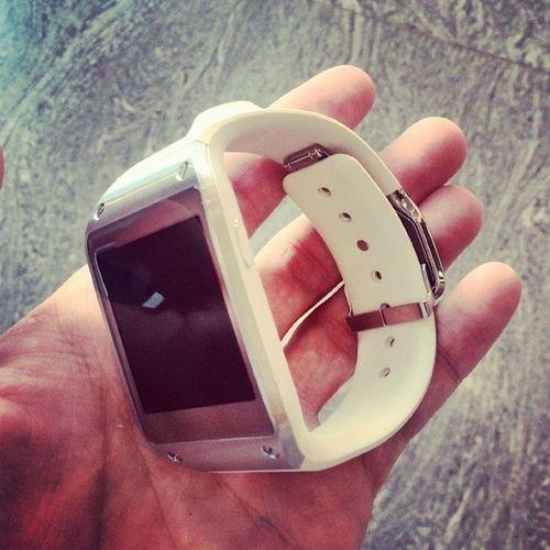 Samsung Galaxygear Android smart watch