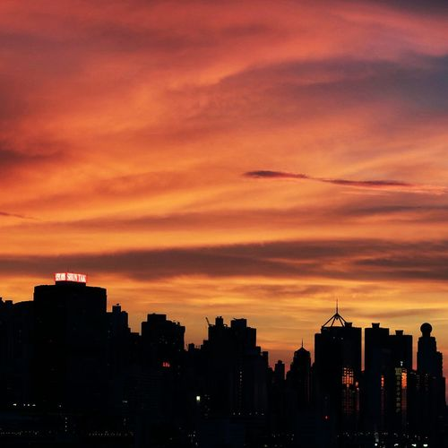 The sky was burned.Cityscapes Sunset Hk Color Explosion Nature_collection Naturelovers Overwhelmed