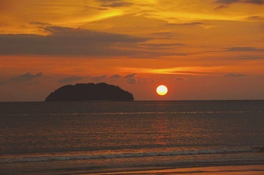 Hello World Beatiful Sunset BorneoLandBelowTheWind ,Kota Kinabalu