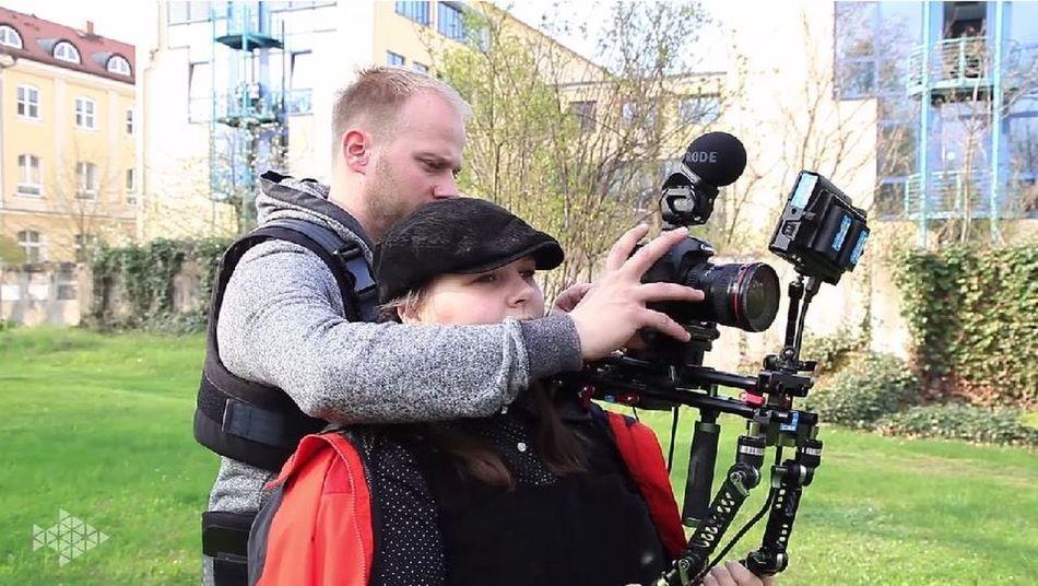 Life on set filmset behind the scenes buissnes woman Director filmmaker mompreneur Setlife knitterfisch Knitterfisch That's Me