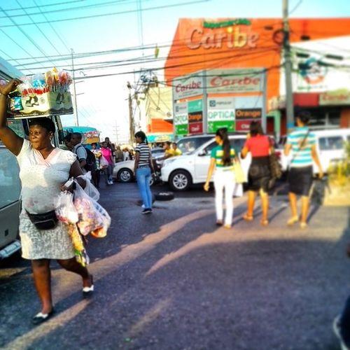 Calles de Santo Domingo Streetphoto Street Photojournalism Vendor