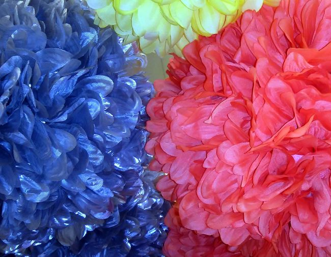 No idea what these things are called, as female I know I am supposed to know so behold.. Fluffy Colorful Flower Shape Ball Thingys