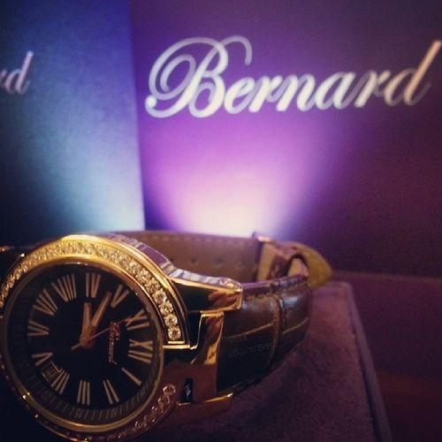 ساعة هداية هدية ماركة سويسري غالي ذهب الماس تصوير تصويري من_تصويري من_الارشيف طفش نايس جدة