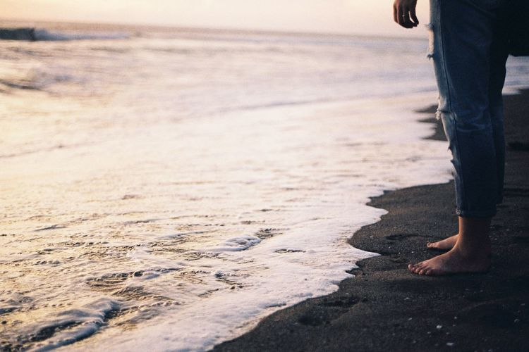 Barefoot Beach Beauty In Nature Day Horizon Over Water Human Body Part Human Leg Leisure Activity Lifestyles Low Section Men Nature One Person Outdoors Real People Sand Sea Shore Standing The Great Outdoors - 2017 EyeEm Awards Vacations Walking Water Wave