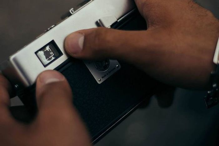 نقاش دوربین را از دست بر نیاید نقش دگر نهادن پیش نگار دستش اوحدی ---------------------------------------------------------------------------------------- Photography Iran Fineart Photography Vscopersia Vscorussia Vscocam VSCO Vscomood Analog Vintage Classic иран фото фотографии вско фотография аналог камера кафе عکاسی ایران عکس دوربین