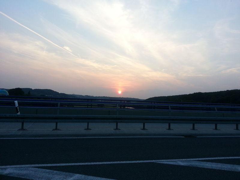 Sonnenuntergang über Witten-Bommer von der Ruhrbrücke in Wetter