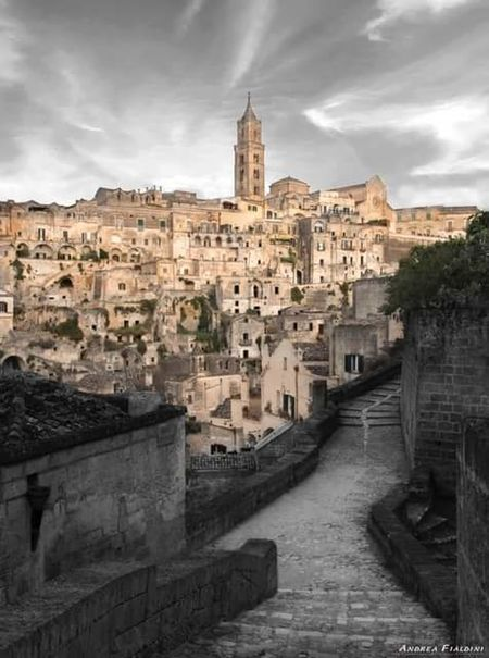 Architecture Travel Destinations City Built Structure No People History Cityscape Building Exterior Day Outdoors Matera View Matera Street Photography Matera, Italy Matera - Capitale Della Cultura Streetphotography Sculture Tranquil Scene Scenics Italy❤️ Landscape Tranquility Travel Italy Cityscape Architecture