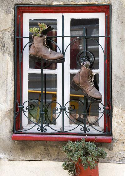 Pot boots Art
