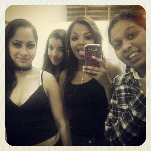 Nozees ! Instamigas LaVamosNos Amizade Beautifulgirls Instamoslindas Vaibobo Girls Selfie AtSchool Followme Braziliangirl BlackBarbie Boapranóis Likes Lipspink Lindezaa Segueeu