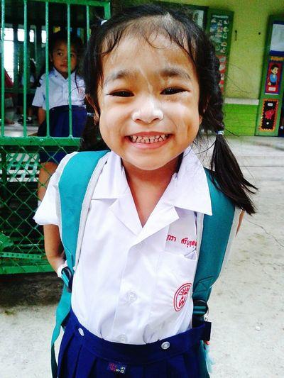 แค่เห็นลอยยิ้มหลานสาว..ความเหนื่อยก็จางไป First Eyeem Photo
