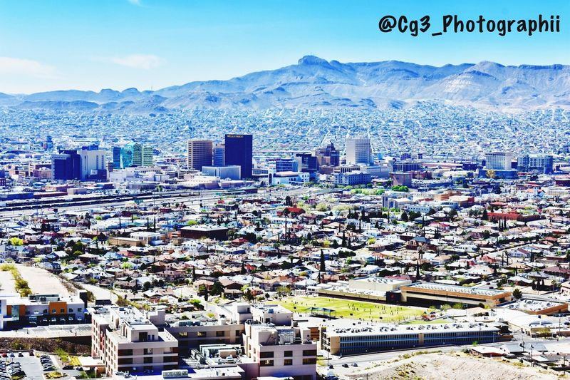 We really have a beautiful city and growing each and every day!! Insta 📷 @Cg3_Photographii go follow!! Change Your Perspective Beautifulcity Photography El Paso, TX ScenicDrive Downtown Mountain Mountain Range Snow Day Outdoors Snowcapped Mountain Architecture Cityscape City Building Exterior No People Cold Temperature Sky Nature Stories From The City California Dreamin