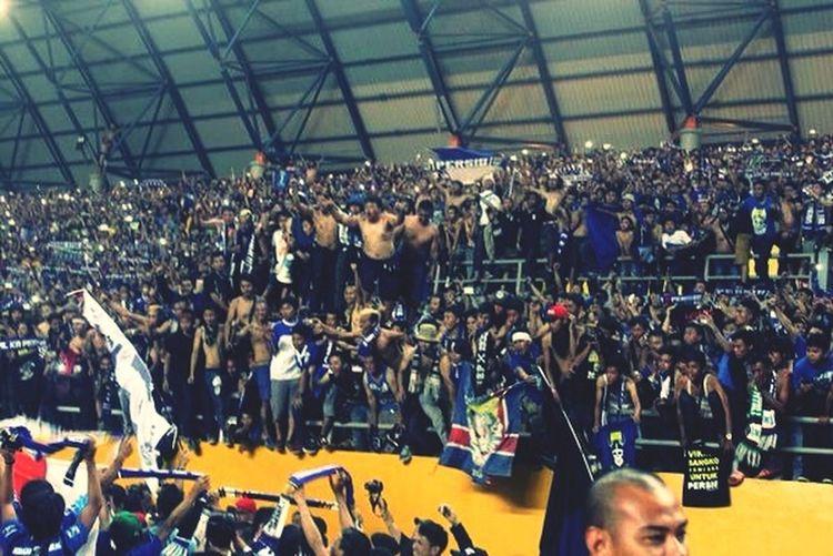Vini Vidi Viking PersibSangPenakluk Bobotoh supporter Persib Bandung FinalLigaIndonesia