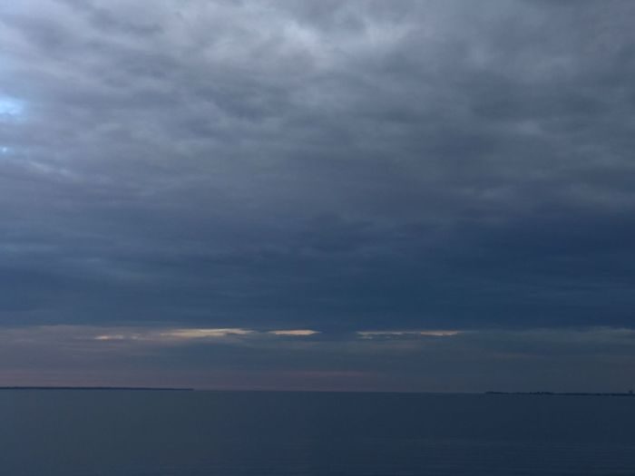 Cloud - Sky Sky Scenics Sea Horizon Over Water Beauty In Nature Tranquil Scene Tranquility Water Nature No People Outdoors Day