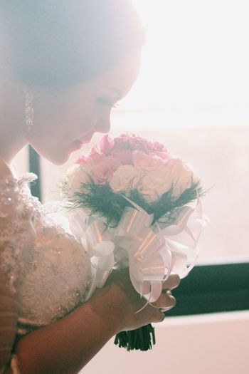 Weddings 2016 Wedding Wedding Photography Women Sunlight Wedding Dress Boquet Of Flowers Bride