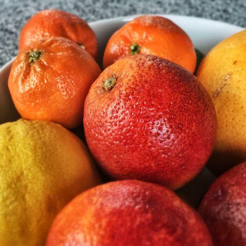 Oranges in bowl