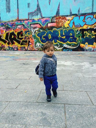 My Unique Style Streetart Graffiti Boy Walking Bag Sneaker Alone Paris
