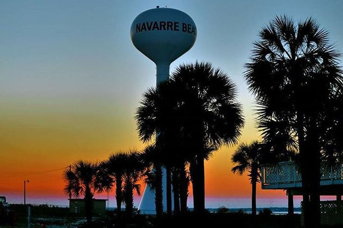 Just another day in paradise - - Navarre Beach Sunset Monday Photographer Photooftheday Photo Photoshoot Walking Exploring Adventure Trippy Tranquility Water Watertower Palm Palmtrees Inspration Dusk Peace Relax