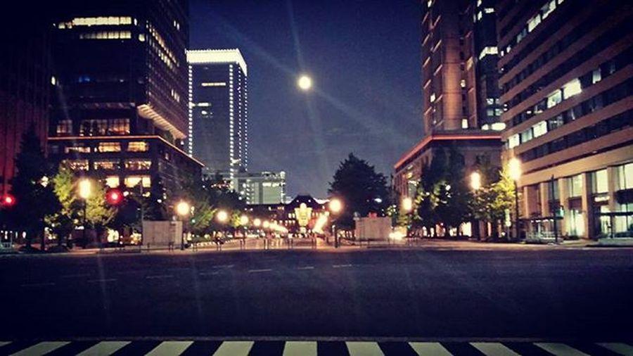東京駅 遠景 満月 夜景 Tokyo Check This Out Tokyo Station Full Moon Cities At Night