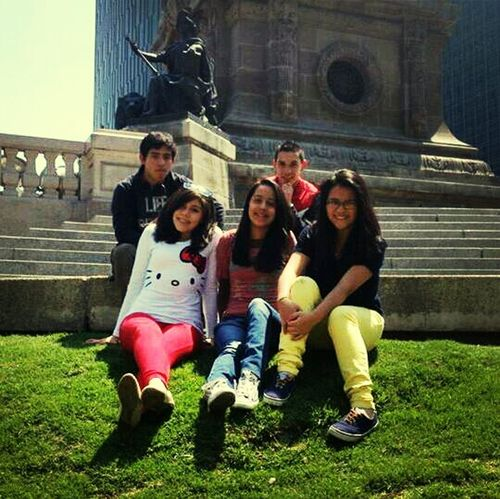 Hanging Out At Paseo De La Reforma PrettyPretty♥ Dueces Bitches ❤✌✔