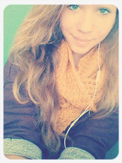Boring Selfie Turquoise Ily <3