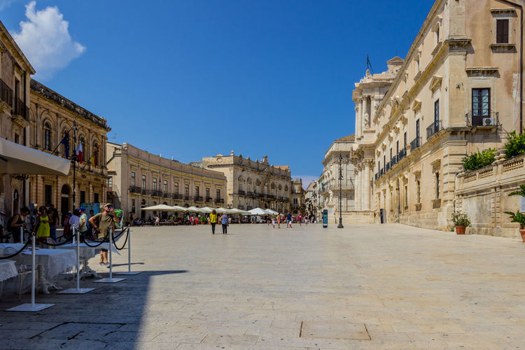 Piazza Del Duomo Sicily Siracusa Square UNESCO World Heritage Site Architecture Building Building Exterior Built Structure City Group Of People History Ortigia Piazza Duomo Siracusa Real People Sky The Past Town Travel Destinations Unesco World Heritage EyeEmNewHere #urbanana: The Urban Playground