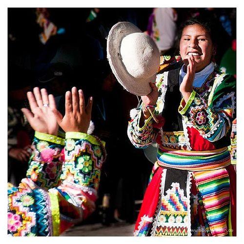 #Festival in #Huaro #Peru. #Dancers comming back from #Pilgrimage. #Reise #Südamerika #Travel #Southamerica #abseitsreisen Festival Travel Dancers Peru Southamerica Pilgrimage Reise Südamerika Huaro Abseitsreisen