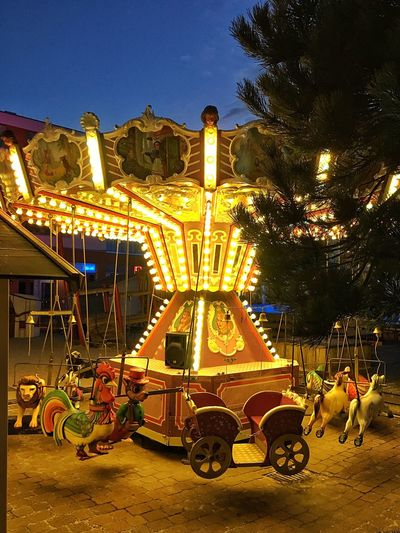 Hello World Carroussel Funfair Carousel Light Tadaa Community Traveling
