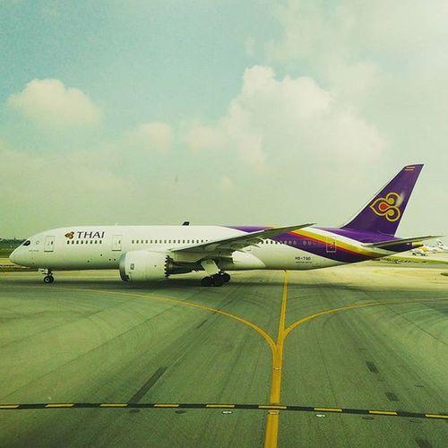 Thaiairways Shiny New Boeing 787 Dreamliner @ Suvarnabhumi Airport Bangkok Thailand @amazingthailand Avgeek Crewlife Pilotsviews Smoothassilk