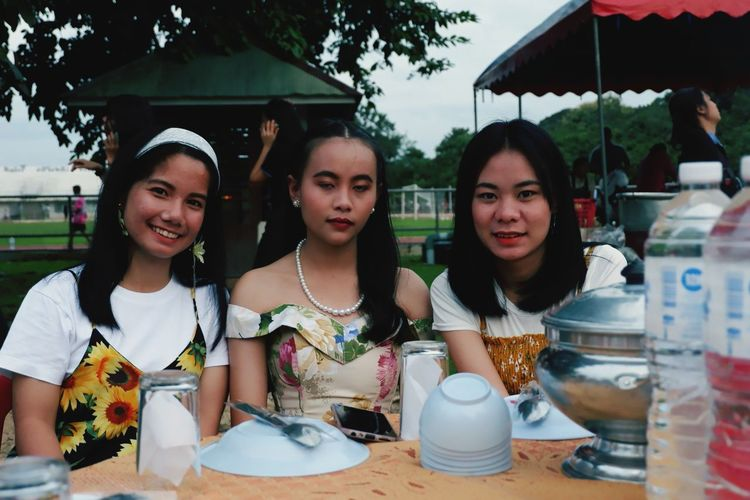 Friendship Social Gathering Young Women Party - Social Event Portrait Togetherness Smiling Food And Drink Sweet Food