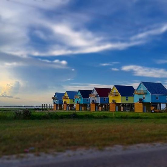 """""""Colorful"""" While scouting for next photography trip locations i came across this colorful set of homes near to the shore. Galvestonisland Galveston Igtexas Instagramtexas Texas_ig Texasbeauty Backroads Backroad Scouting Photos Instagram Instalike Color Colours Coloursplash Ig_best_sunset Ig_unitedstates Texas Teaxsbeaches Gulfshores Gulfofmexico Igworld Beautifulsky Galveston_photography Lovegalveston ipulledoverforthis ig_photostars 500PX igbest_images"""
