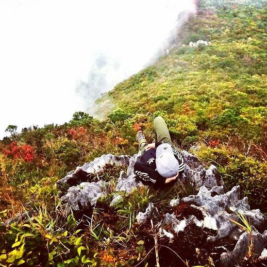 Mt. Irid, I felt you against my back. Your cold breeze has touched my skin. Your trail has punished my legs. But your beauty was never at sight. Climbing you again some other time? On the verge of saying no, I said YES. Noclearing Pinoymountaineer Juanderer Juanderlust Itsmorefuninthephilippines Choosephilippines Travelph Climber Dayhike Outdoors Hikingadventures Hiking Mountains Clouds Landscape Climbwithattitude Adventure Teamderechopa