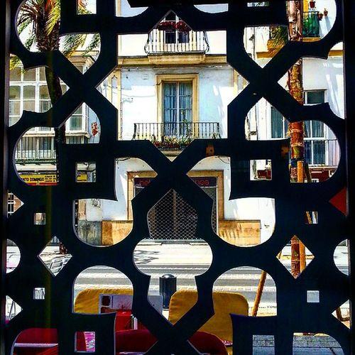 Un sitio diferente para tapear en El Puerto ************************************************* ★★★★★★FOTO SELECCIONADA★★★★★★ Muy orgulloso de poder compartir esta foto en la magnífica galeria de 👉🏼 @elpuertodesantamaria Recomiendo que la visiteis y etiquetar vuestras fotos de El Puerto. ************************************************* Igerselpuerto Elpuertodesantamaria Laandaluzalowcost Tapearenelpuerto Tapas Detapasporelpuerto Sinfiltros