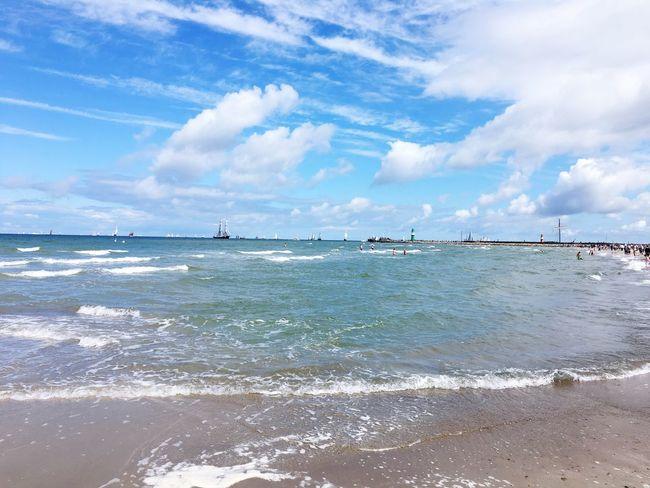 Warnemünde, Meer Strand Ostseeküste IPhone 6s Plus Warnemünde HanseSail Strand, Hanse Sail, Ostsee, Schiffe, Leuchtturm, Mole, Sonne, Wolken, Wellen, Sand