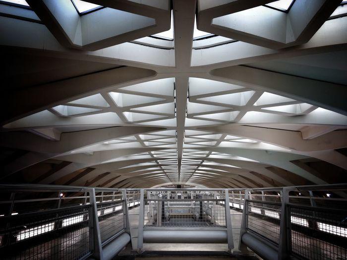 Indoors  Architecture Built Structure Parada Del Metro València Valencia, Spain Arquitectura Arquitectura,monumentos The Architect - 2017 EyeEm Awards