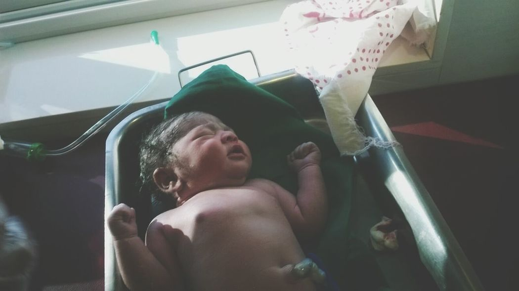 New year baby.... Check This Out New Born Baby Welcome Babygirl Cute Baby Blessedday Feeling Blessed Followfriday Happy New Year 2016 Happy Day☺ So Much Cuteness New Years Resolutions 2016 New Year Around The World