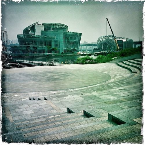 "They're doin' something with them at last! Looks like a ""luxury brand EXPO"" #seoul #seoul_korea #korea #banpo #seocho #floatingislands #travel #hipstamatic #johns #kodok Hipstamatic Travel Korea Seoul Johns Seoul_korea Kodok Banpo Seocho Floatingislands"
