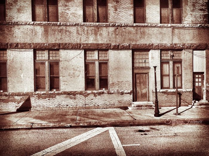 Anson Nov 15 2018 Anson IPhoneography Street Lamp Western Town Architecture Built Structure Building Building Exterior No People Day Sunlight Outdoors Abandoned Window Weathered History Old