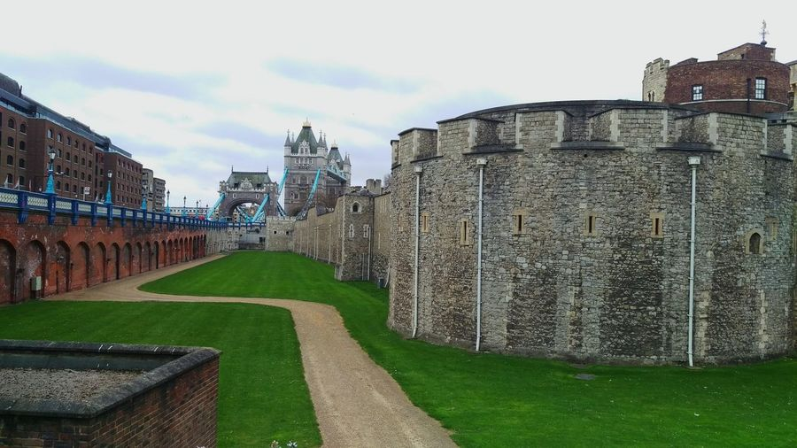 Travel Destinations History Sky Architecture Cloud - Sky Grass Outdoors No People Building Exterior Ancient Civilization London Tower Of London Tower Bridge  Travel