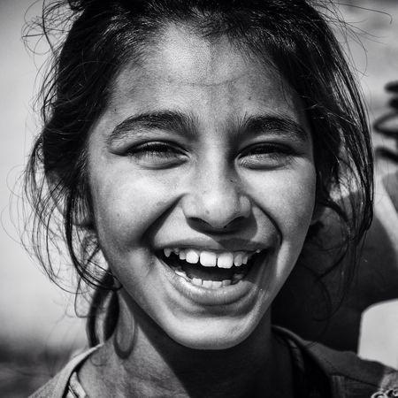 Enjoying Life Bisgen EyeEm Masterclass EyeEm Best Edits EyeEm Best Shots Black And White Blackandwhite Portrait Smile Girl