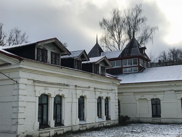 Russian style in architecture out of Moscow Winter Russian Style Architecture Building Exterior Built Structure Tree Sky House Bare Tree No People Outdoors Day
