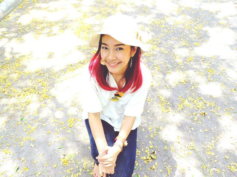 beautiful Beautiful ♥ Beautiful Girl Hat Yellow Flower Falling