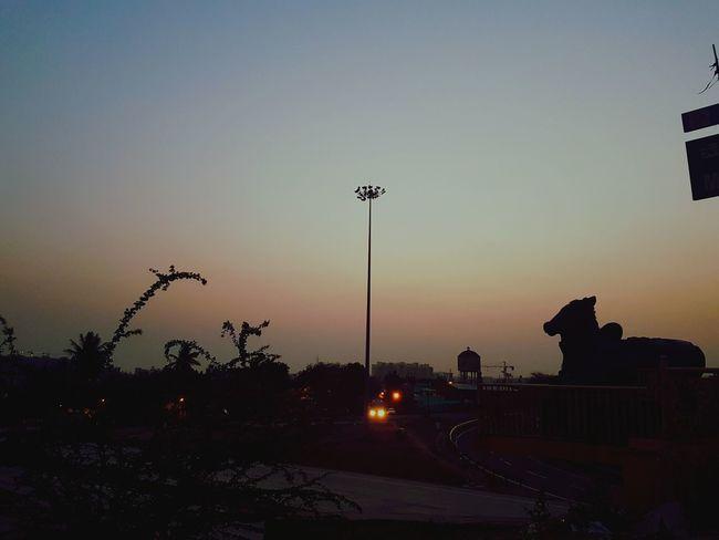 Bengalurinalli ondu dina Nammabengaluru Bangalore Nammakarantaka Outerringroad Silhouette_collection Silhoutte Photography