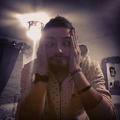 "It's one of those ""fuck it, show us your shex face"" kinda nights Selfie Selfiecentral Selfiesunday Seriousface ShexFace Scottish ScottishGuy Geek GeekandProud Gamer Beard BeardsAndTats Guyswithtattoos Guy"