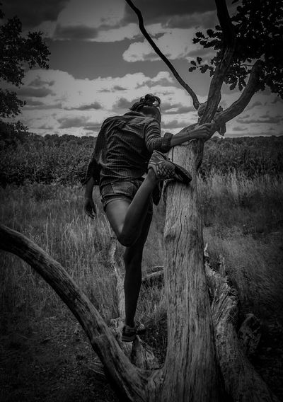 Model outtakes Hotgirl Sacrower See Exceptional Photographs Female Wonderwoman Legs Athlete Hotpants LongLegs Lowkey  Monochrome One Person Real People Nature Cloud - Sky Field The Fashion Photographer - 2018 EyeEm Awards Lifestyles