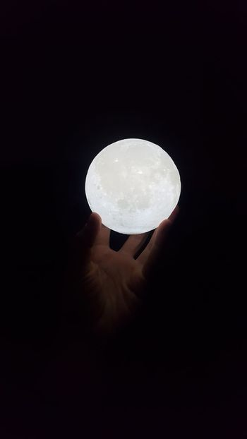 3D printed moon lamp in male hand AI Now Technology Flying To The Moon Spacex White Ambition Touch The Stars Touch Hand Galaxy Planet Light Source Stars Galactic Force Unreal Imagine Imagination Touch The Moon Dream Living On The Moon Apollo Moon Astronomy Night No People Nature Space Beauty In Nature